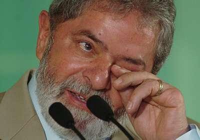 (#) - Lula chora