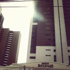 O Sol por entre os prédios - Desembargador Moreira