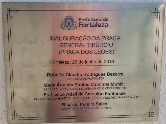 Desprezo a História - Roberto Claudio - Praça dos Leões - Fortaleza - 2016